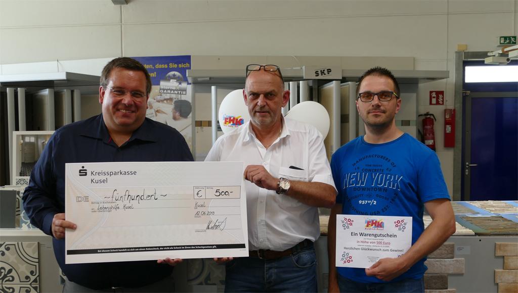 anlässlich 30-jährigem Bestehens 500 Euro Spende der Firma Fliesen Heidrich GmbH an die Lebenshilfe Kusel e.V.